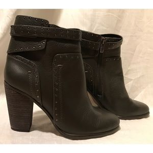NWOT Vince Camuto Faythes Leather Ankle Booties